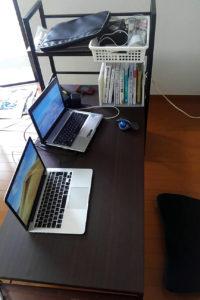 サンワダイレクトのデスク ロータイプ パソコン