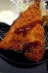松のや 青物横丁店で海鮮盛合せ定食 2種類ソース