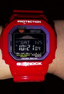 G-SHOCK「GWX-5600C-4JF」 暗い場所で