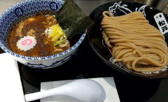 あの名店の味を東京でも!?松戸富田麺絆 キッテグランシェ店でつけ麺と餃子をいただく