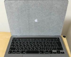 2020年モデル13インチMacBook Pro 開く