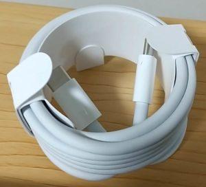 MacBook Pro 包装フィルムはがす ケーブル