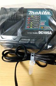 マキタのクリーナーCL107FDSHW 充電器