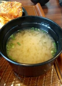 ガスト から好し合盛り定食 味噌汁