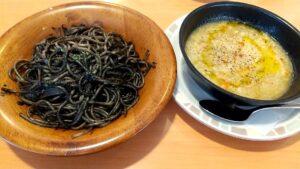 サイゼリヤ イカの墨入り キャベツスープ