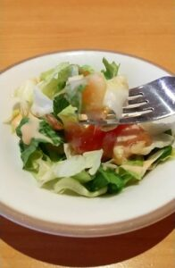 サイゼリヤ ランチメニュー サラダ美味しい