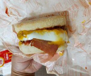 朝マック メガマフィン チーズ