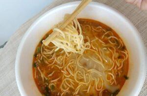 セブンイレブンの「鳴龍 担々麺」 麺